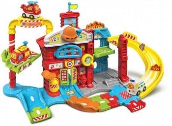 צעצוע לגיל שלוש תחנת כיבוי אש