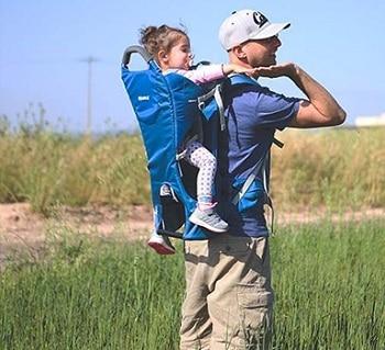 מנשא לטיולים לתינוק