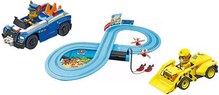 מסלול מכוניות מרוץ יחידת החילוץ עם שלט