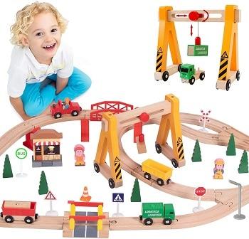 סט רכבת מעץ לילדים מגיל 4